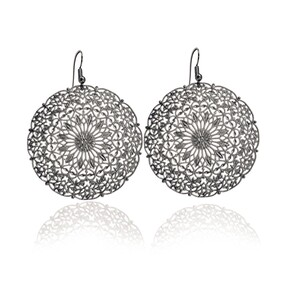 Lacey Large Circle Earrings - Black