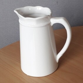 White Tall Tapered Jug Med 20cm