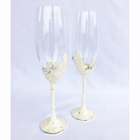 Hearts & Doves Wine Glass Set